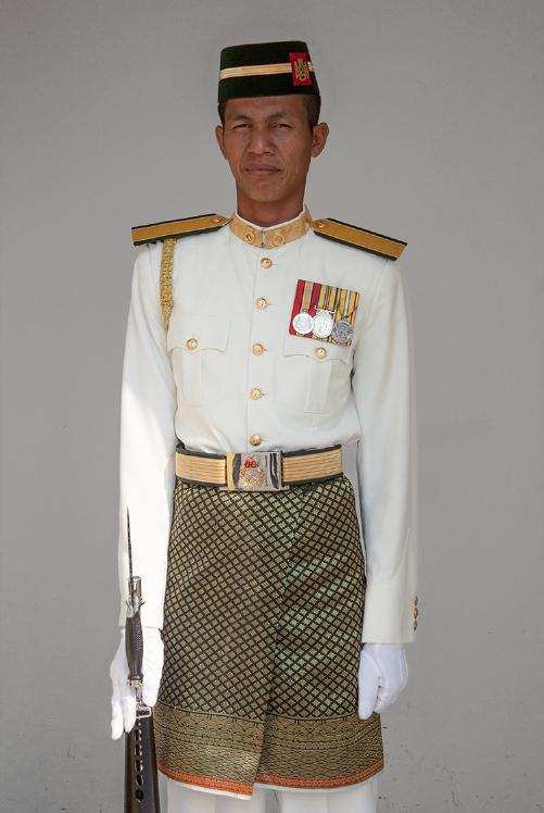 Wachter bij de poort van Istana Negara, Kuala Lumpur