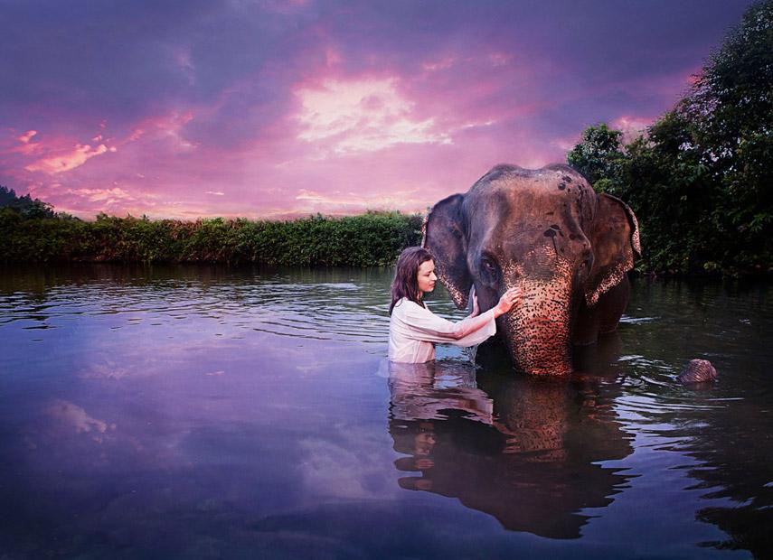 Een bijzondere vriendschap in Thailand © Richard Kardhordó